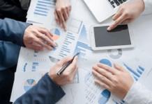 李克强主持召开经济形势专家和企业家座谈会强调 保持宏观政策稳定 更有效运用好逆周期调节工具